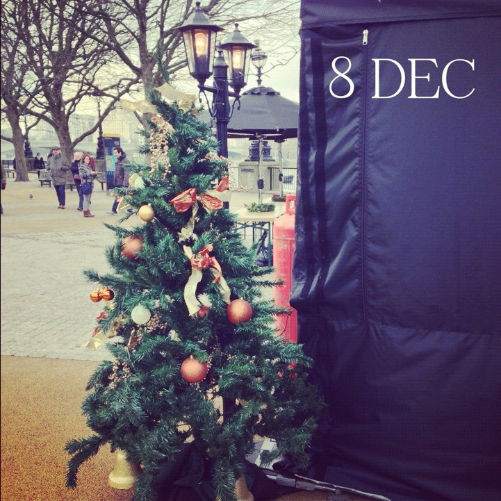 8 December – Christmas tree down on Southbank
