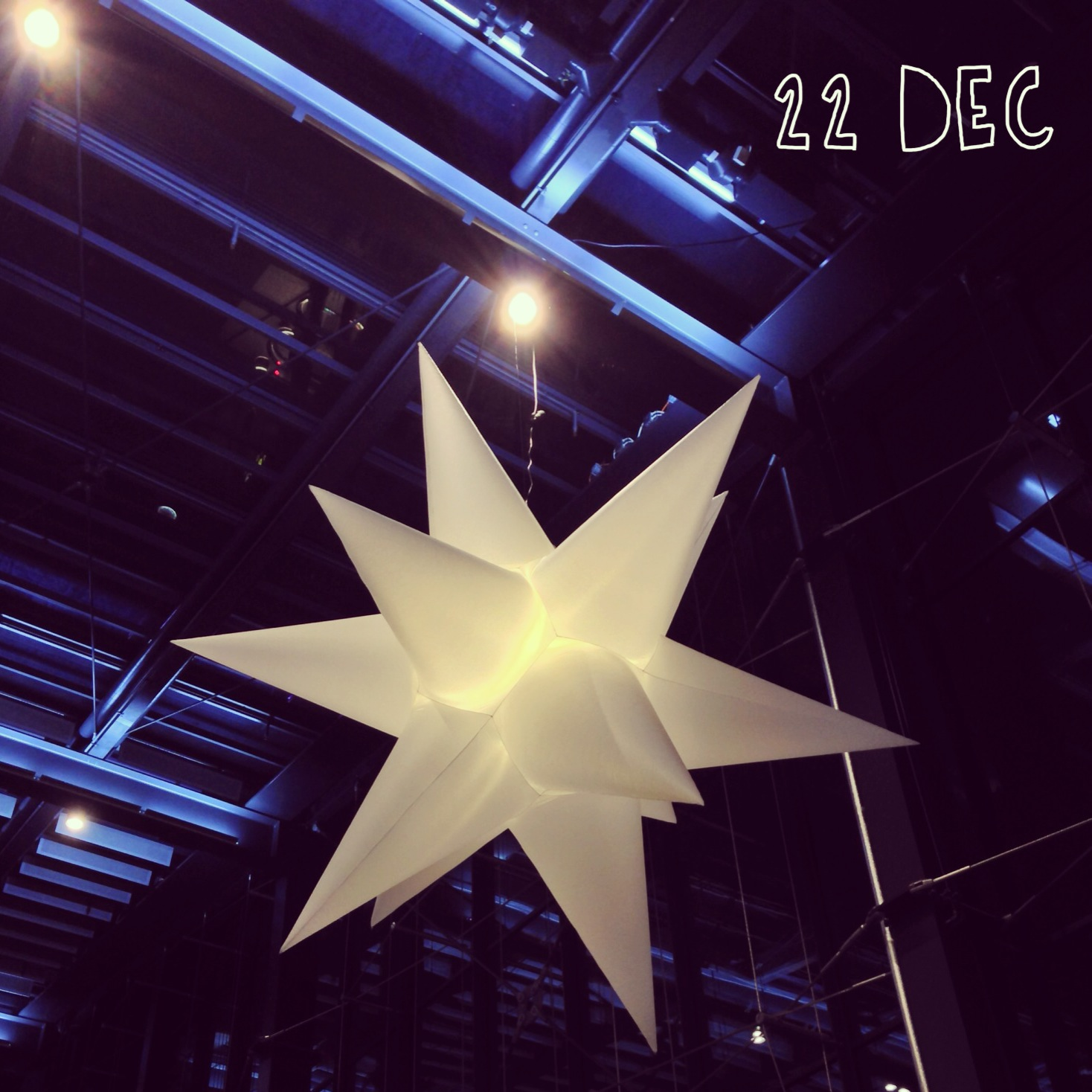 22 December – Christmas decorations at Malmö Central Station